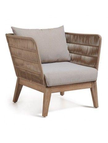 I materiali utilizzati  per creare questa poltrona sono due. Il legno di acacia solido e la corda e si combinano perfettamente per creare il divano e la poltrona. Perfetta sia per gli interni che esterni
