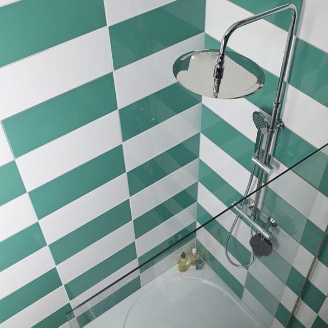 Carrelage mural vert d eau 20 x 50 cm mina castorama for Peinture carrelage sdb