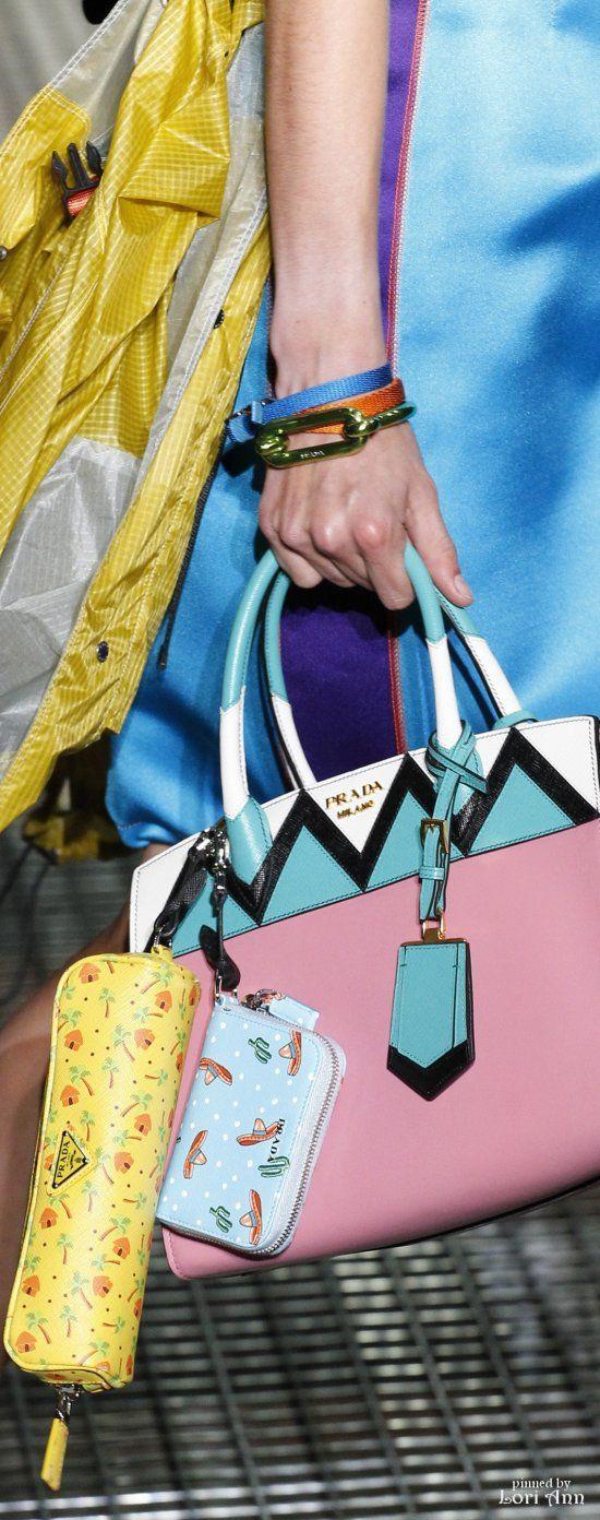 Prada Spring 2017 RTW. bag, сумки модные брендовые, bags lovers, http://bags-lovers.livejournal