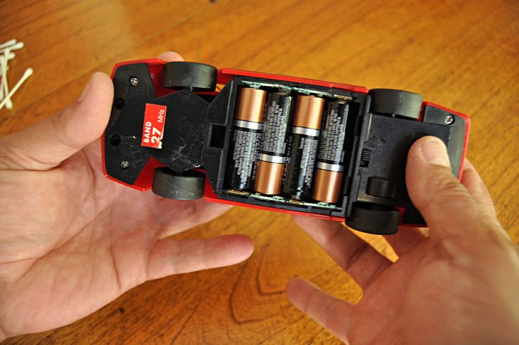 How to Clean Corroded Battery Terminals in Toys  Please don't forget to dispose of properly!!