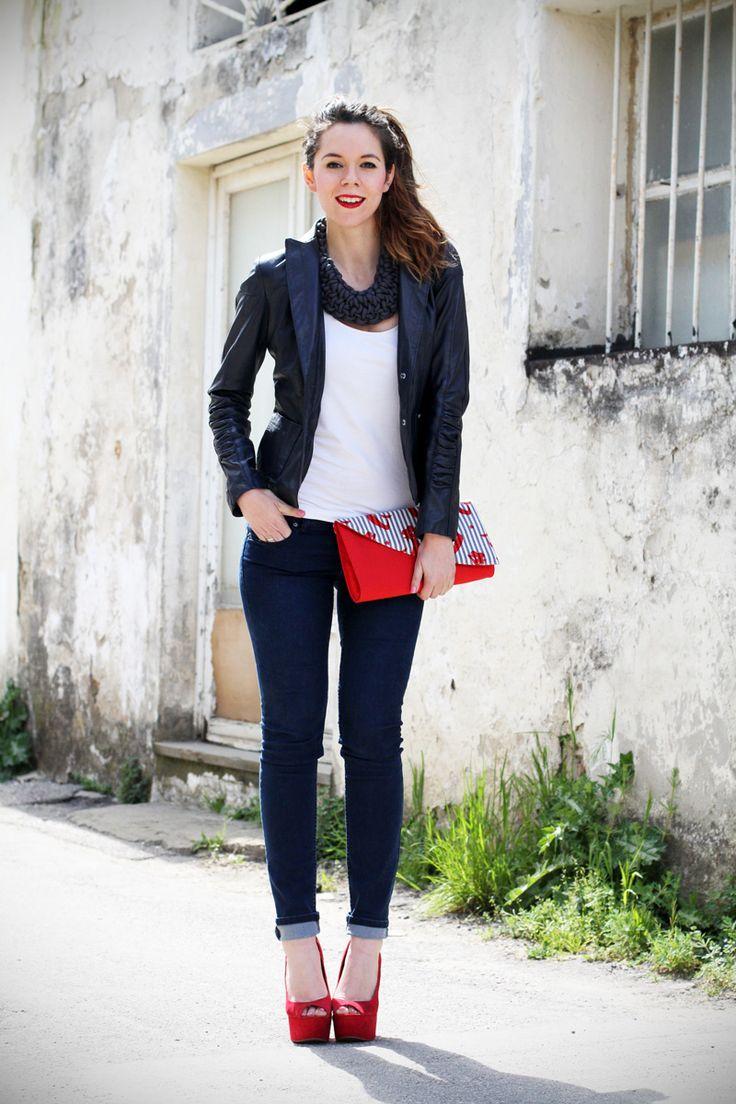 #fashion #fashionista Irene stile marinaro   fashion blogger   outfit   streetstyle   look   giacca pelle   chiodo pelle   collana corda   marinaretto   zeppe rosse   scarpe rosse   righe   borsa righe   pochette   jeans   denim (1)