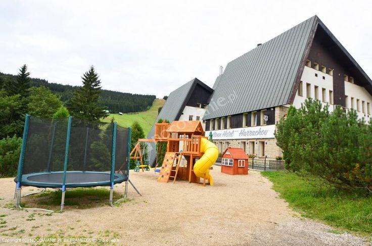 Pytloun Hotel**** w miejscowości Harrachov to doskonałe miejsce na wypoczynek zarówno latem jak i na białe szaleństwo zimą ze względu na pobliskie wyciągi  narciarskie. Więcej na: http://www.nocowanie.pl/czechy/noclegi/harrachow/hotele/137388/ #nocleg #CzechRepublic #Czechy #Nocowaniepl