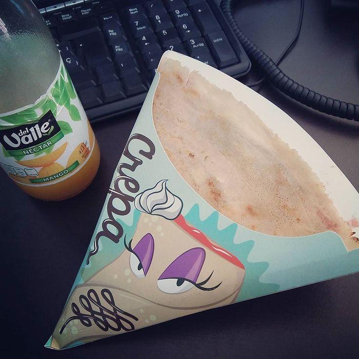 Ya habíamos quedado que este IG #esdegordos verdad?  Es que no doy créditooo! La crepa más DELI que he probado en mi vida. Literal. La mezcla está mega hiper riquísima y babeo de acordarme haha.  Creo que mi marido me tiene en engorda y me ama a montones.  #crepa #crepas #breakfast #breakfastclub #desayuno #lunch #crepes #food #foodporn #foodie #somosgordos #foodaddicted