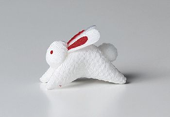 Chirimen Jumping Bunny This is not a kit but a finished product. A very tiny chirimen object made with 100% rayon chirimen crepe fabric. Not washable. Approximate size: W: 1.8in (4.5cm) Ref # TS-TK22 $5.45