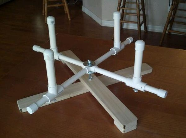 Knitting Loom Machine : Awesoome homemade pvc swift fully adjustable with a turn