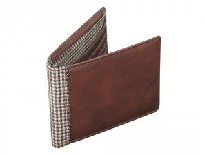 View this image of Jacob Jones Wallet with engraving. We Get Personal provides Jacob Jones Leather wallet. The engraving text at your wallet can be of your choice.  personalised wallets, personalised wallet, Wallet Jacob Jones Tan & Check