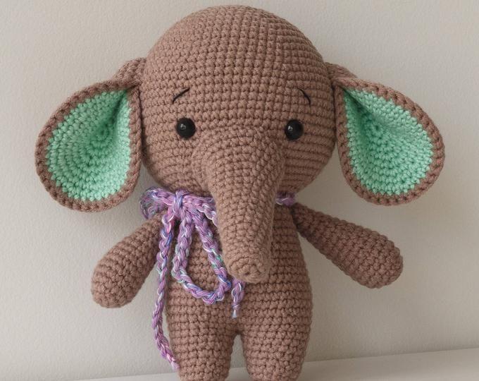Josefina and Jeffery Chubby Little Elephants PDF Crochet Pattern   540x680