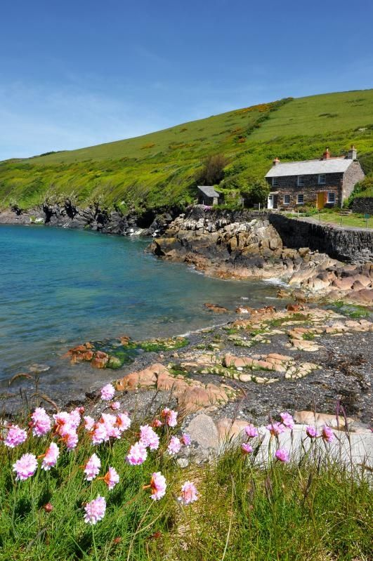 Port Quin in North #Cornwall, England. Coastal walk from #PortIsaac to Port Quinn. http://www.theedge-cornwall.co.uk/images-port-isaac/DocMartin-MartinClunes-PortQuinn2013-300.jpg