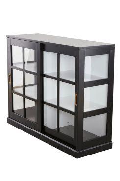 NITTKVARN vitrinskåp Visa upp dina finaste saker hemma i ett vitrinskåp. Smarta skjutdörrar i glas med mässingsbeslag som inte tar onödig plats. De djupa hyllorna gör att du får plats med mycket.<br>Material: Trä och glas.<br>Storlek: Höjd 95 cm, bredd 120 cm, djup 40 cm.<br>Beskrivning: Vitrinskåp i mdf med  skjutdörrar i glas och mässingsbeslag. Levereras omonterat. Monteringsanvisning medföljer.<br>Skötselråd: Torkas med fuktig trasa.<br>Tips/råd: Låt det...