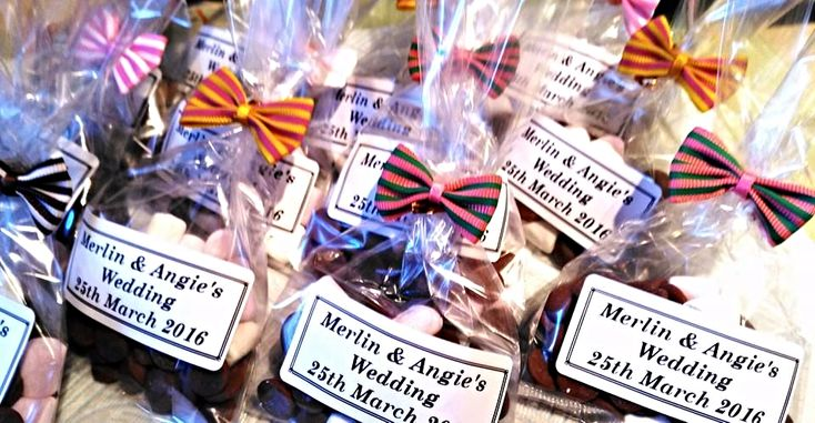 Belgian chocolate chips with pink and white marshmallows are a great sweet treat for your wedding guests or great to pour onto a hot chocolate at the