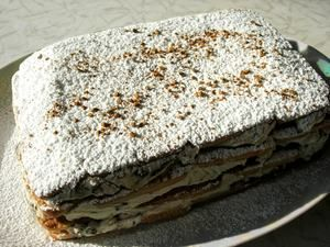 Фото к рецепту: Торт с творогом и черносливом (без выпечки)