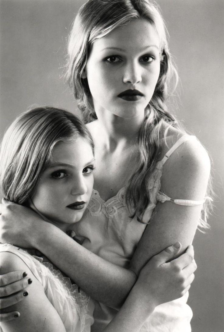 Julia Stiles & Vanessa Zima in Wicked (1998)