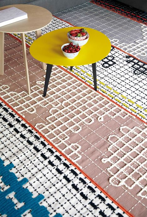 ((whoah this is a dope rug!!!!!!!)) Chunky stitches pattern Bandas rugs and furniture by Patricia Urquiola.