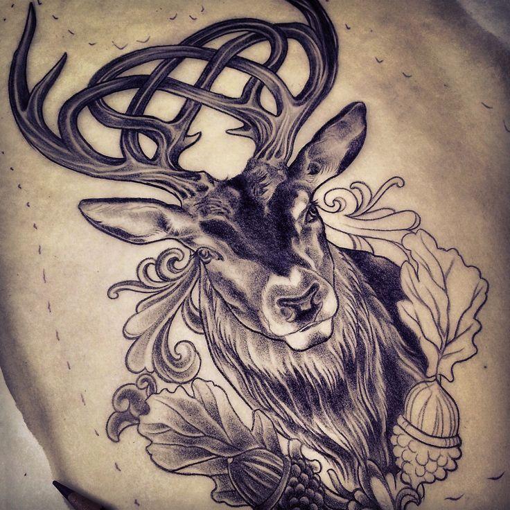 Tatuaggi con renne, cervi e alci: idee e significato