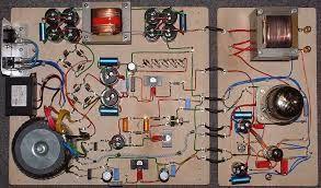 Trazystor jest używany w budowie np; -wzmacniaczy -telefonach -komputerach -telewizorach -rzutnikach -i tak dalej