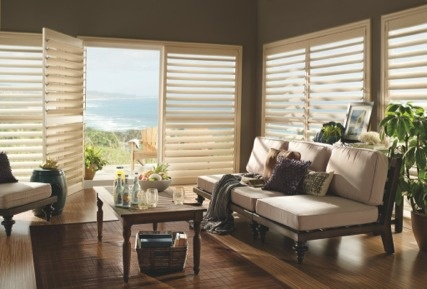 Coastal chic with classic Luxaflex® white shutters.