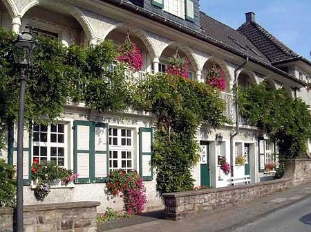 "enchanting gardenquarter ""margarethemhöhe"" in essen/germany"