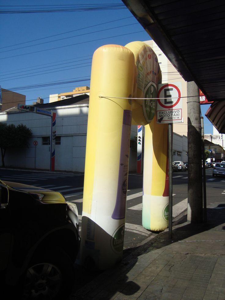 O inflável foi imediatamente retirado do local e a empresa será notificada da irregularidade