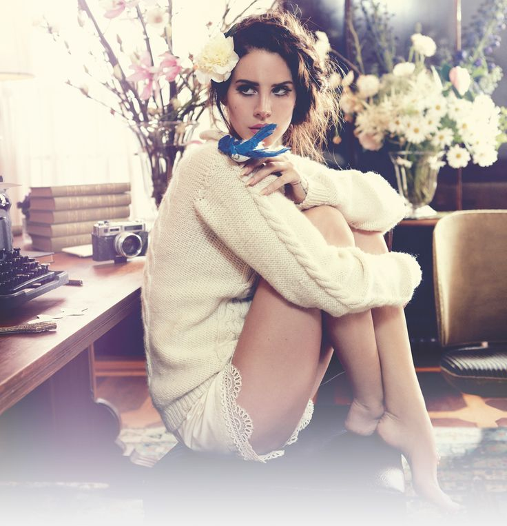 """Covergirl der wichtigsten """"Vogue"""" des Jahres - Lana Del Rey als Model geadelt - STYLEBOOK.de"""