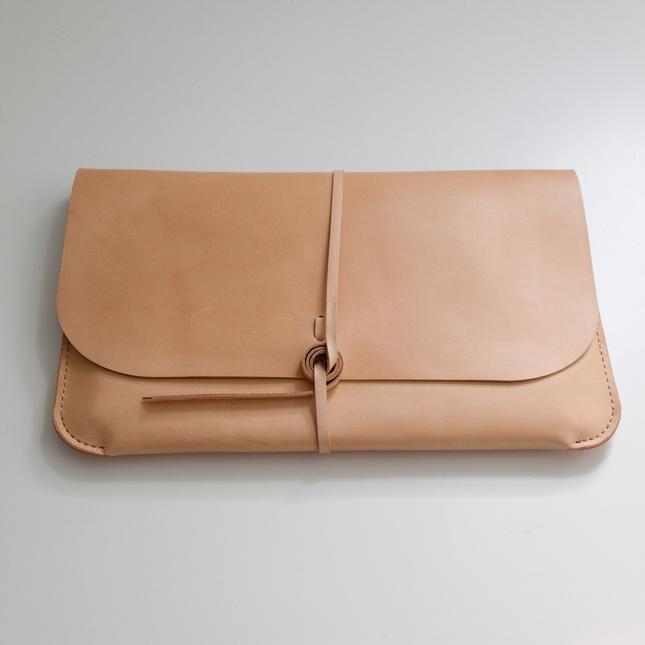 Kenton Sorensen iPad hand cut and sewn leather portfolioLaptops Portfolio, Kenton Sorensen, Handbags Inspiration, Leather Handbags, Laptops Cases, Bags Purses Handbags, Laptops Sleeve, Design, Macbook Pro