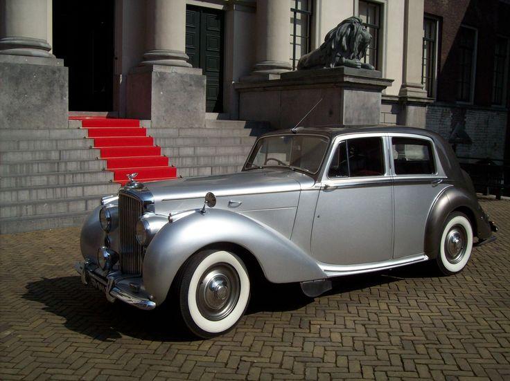 Bentley Mark VI Klassiek vervoer voor o.a. Bruiloften, Vrijgezellen Feesten, Gala's en Familie uitjes al vanaf 65,= p/u