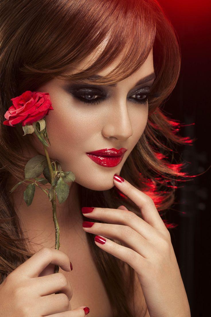 #fatimanasir #beauty #makeup #makeupartist #chanelmakeup #maccosmetics #kryolan #anastasia #opi #annabelleswigs