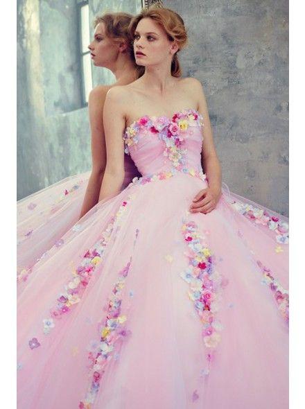 #weddingdress #wedding #weddingblog #laceweddingdress #fashionblog #theFashiondiet  http://www.teresamorone.com/2016/01/12/ti-sposi-nel-2016-ecco-una-carrelata-di-abiti-da-sposa-in-pizzo/