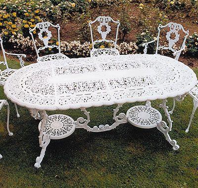 Victorian Grand Table