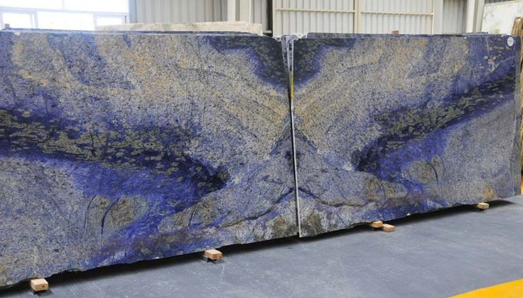 I've never seen blue granite but this is just so freakin pretty!! Probably a lot of $$$$$ though :/