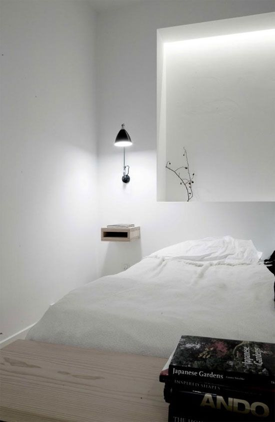 nachtlamp en nachtkastje