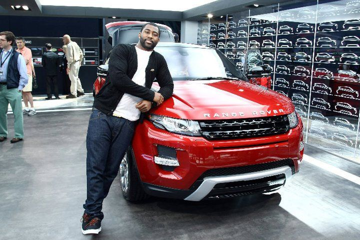 N.Y. Jets Cornerback and N.Y. City Shaper, Darrelle Revis was on hand at the Range Rover Evoque Live concert event on May 21, 2011 in NYC. The global interactive music event was held as part of the Pulse of the City Campaign to launch the all-new 2012 Range Rover Evoque.