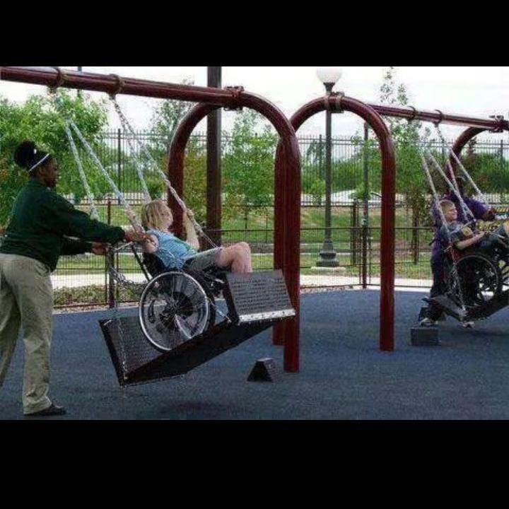 Çocuk her zaman çocuk. Engelli olması bunu değiştirmiyor.