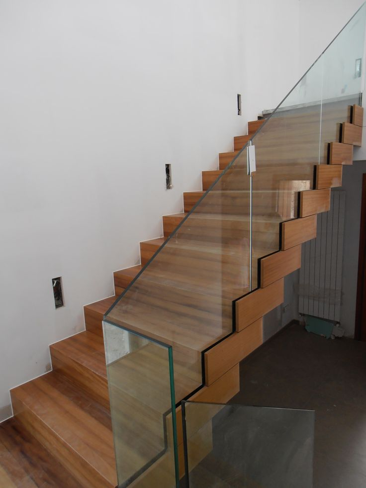 114 best images about barandas modernas on pinterest architecture stairs and wooden stairs - Escaleras con cristal ...