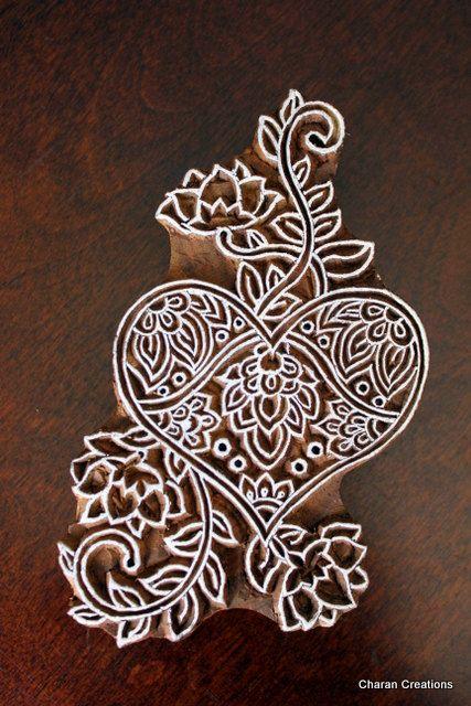 Sculpté à la main indienne bois Textile timbre bloc - coeur et fleurs
