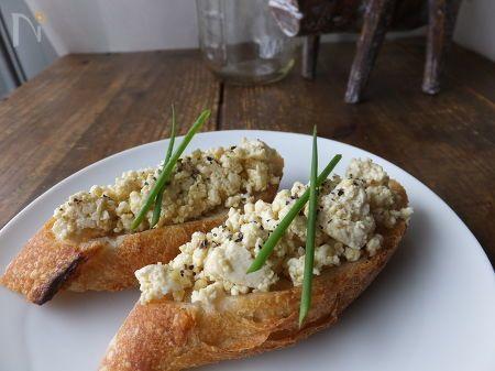 とっても簡単にできて、朝食やおつまみにオススメ!ヘルシーな豆腐そぼろでパンを美味しく食べましょ♪  シンプルですがお豆の旨みぎゅっとつまってます。