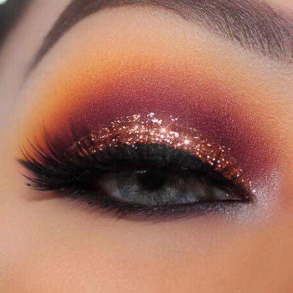Con un poco de #Glitter en tu #Maquillaje puedes hacer una gran diferencia #Makeup