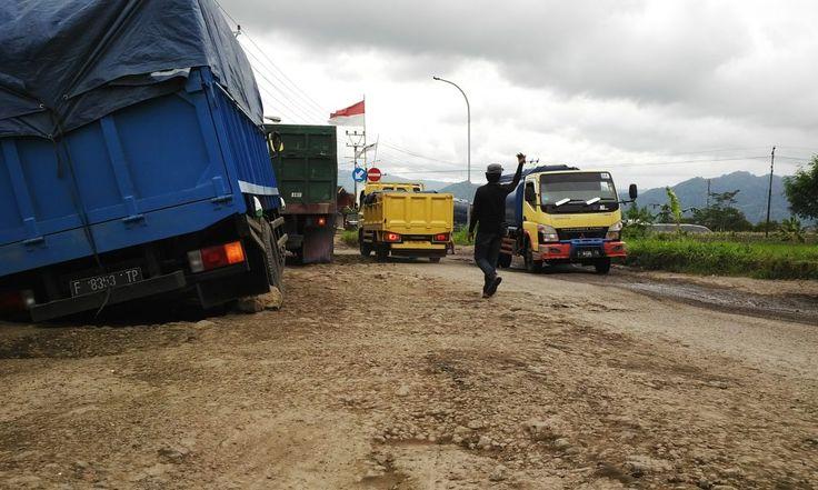 Raksasa Jalanan Dilarang Lintasi Kota