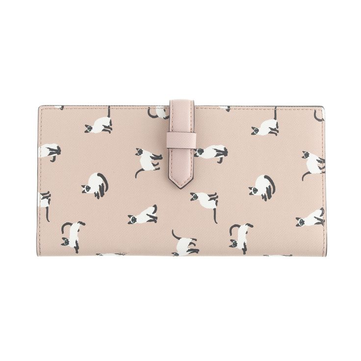 J.Crew women's printed travel wallet.- I want this for my upcoming trip!
