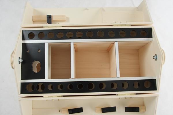 les 25 meilleures id es de la cat gorie werkzeugkoffer sur pinterest werkzeugkiste bo te. Black Bedroom Furniture Sets. Home Design Ideas