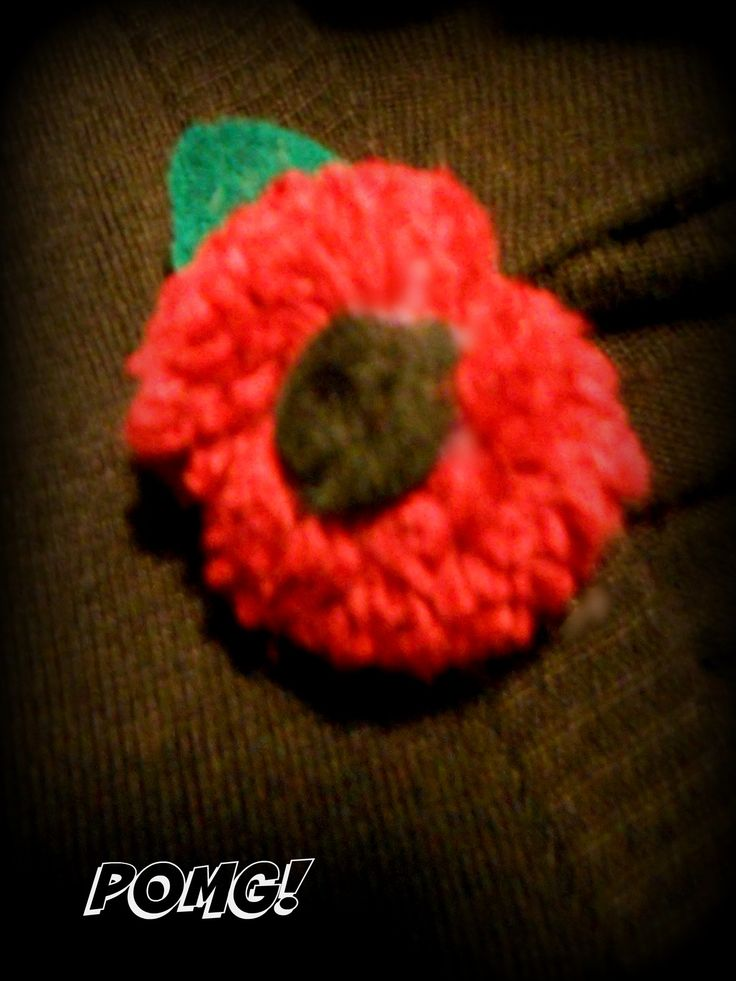 Poppy Day pom pom brooch facebook.com/pomgpompoms #poppy #poppyday #brooch