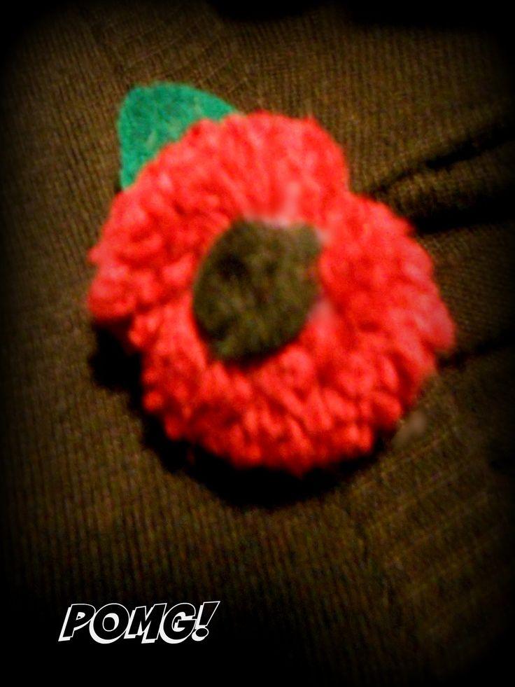 Poppy Day pom pom brooch facebook.com/pomgpompoms #poppy #poppyday #brooch