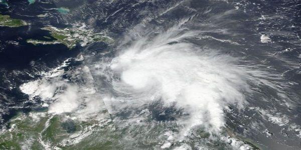 Ο κυκλώνας Μάθιου ο ισχυρότερος στον Ατλαντικό από το 2007 ετοιμάζεται να χτυπήσει την Καραϊβική