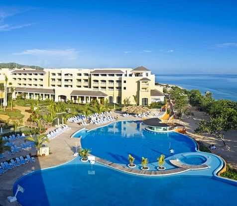 IBEROSTAR Rose Hall Beach, 5 stars resortI BEROSTAR Rose Hall Beach, holidays with a very nice accommodation, gastronomy and leisure