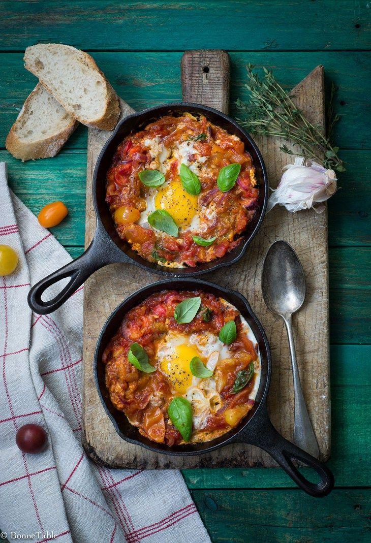Compotée de tomates aux oignons et oeufs (rajouter du chorizo)