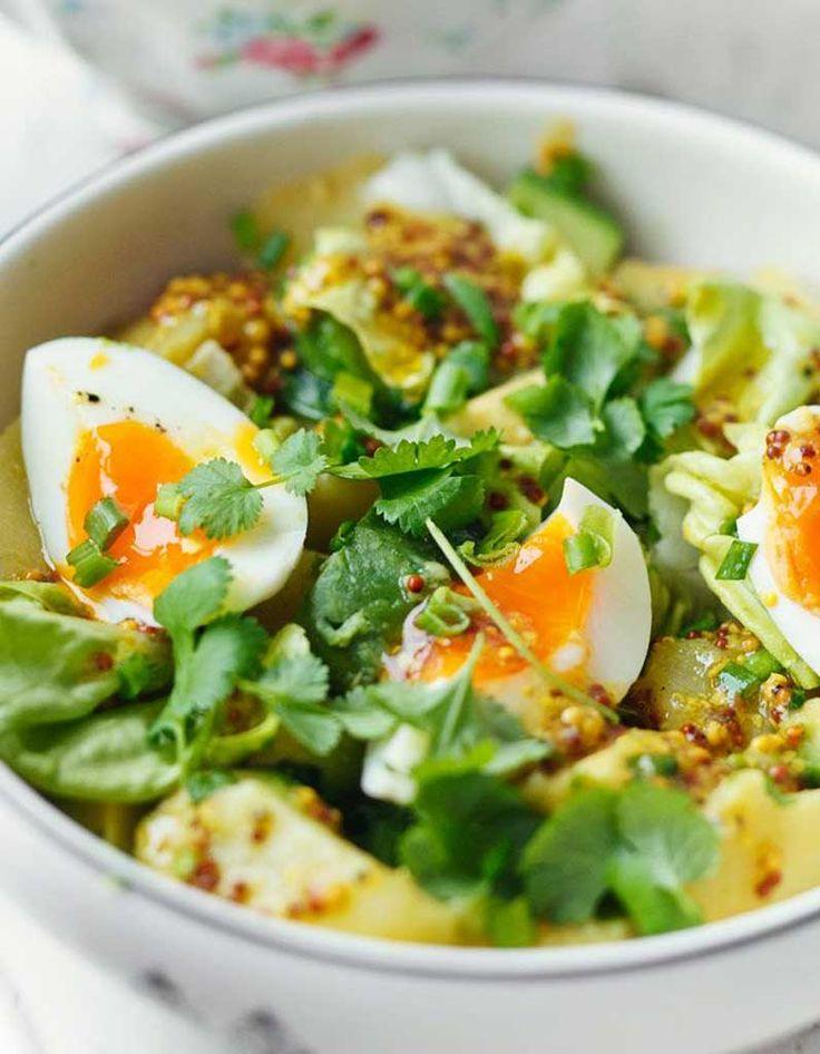 Pour un pique-nique ou pour se faire plaisir, on aime l'idée de la salade verte (laitue, mâche, épinard, …) un œuf dur cuit à souhait, un avocat, des t...