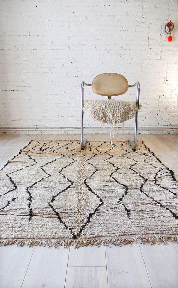 Vintage Moroccan Rug Natural virgin wool