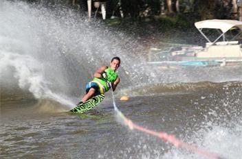 waterskiing - BIG4 Deniliquin Cabin and caravan park - activities