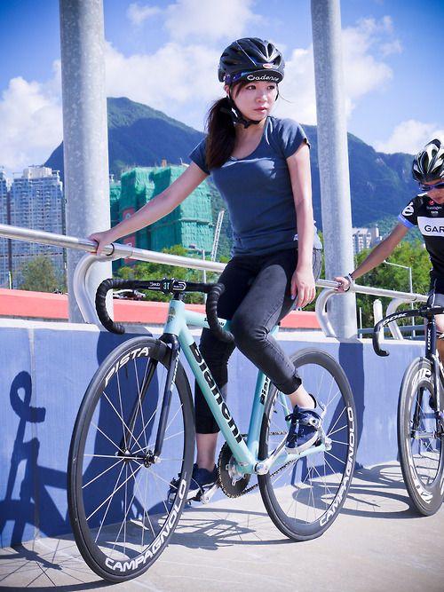 """balllllliu:  my first velodrome lesson, with my bianchi super pista 2011 https://www.facebook.com/FixieliciousHKFGG   """