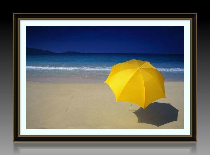 """Багетная фотокартина """"Желтый зонтик на берегу моря"""" - ручная работа"""