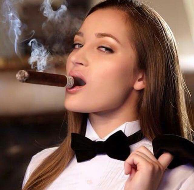 https://i.pinimg.com/736x/78/7c/df/787cdfb167714ebd6ada7aef3060399d--cigar-smoking-sexy-smoking.jpg